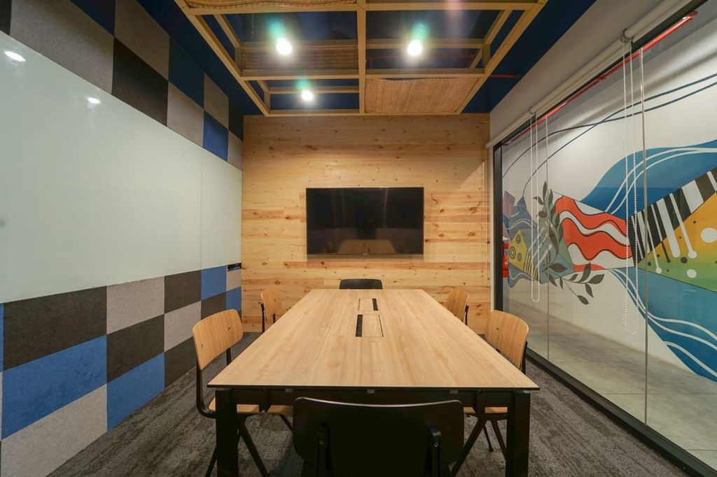 JustCo Meeting Room for 6 pax