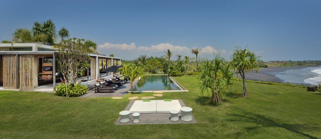 Villa Tantangan Side View