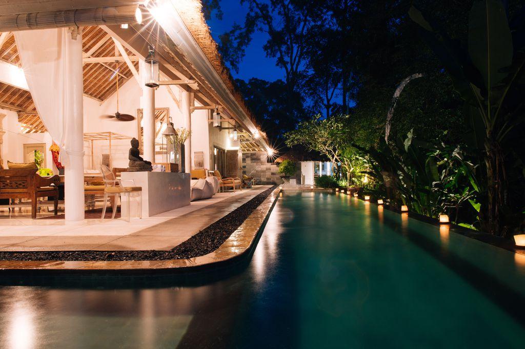 Dining/living pavilion, 18m pool