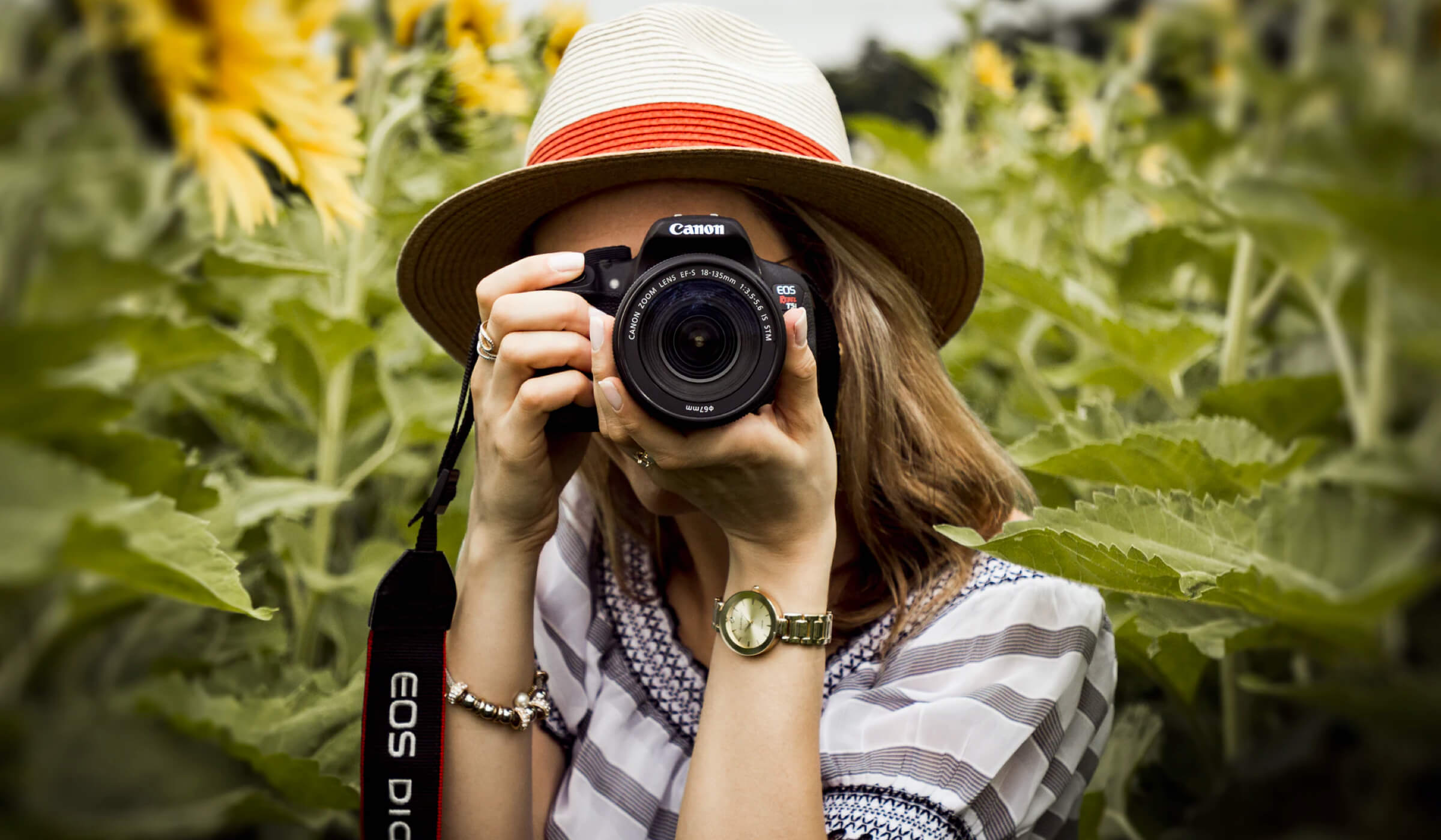 Find and Book Photographers on Venopi